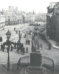 Field Marshal Kieth looks down on the Broadgate, Peterhead  Washington Wilson Collection courtesy of the University of Aberdeen.